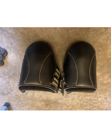 EQUIFIT Black and white large hind boots with tab closure