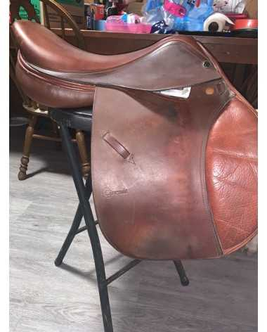 Circuit Hunter/jumper saddle
