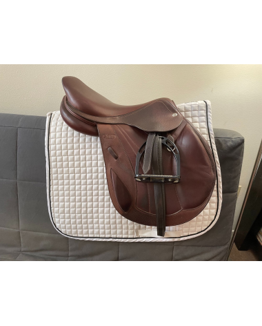 CWD SE09 18 In Cross Country Monoflap Saddle 4A flap 4 in dot to dot 2016