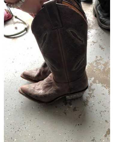 Size 6.5 Pointed Toe Justin's Western Boots