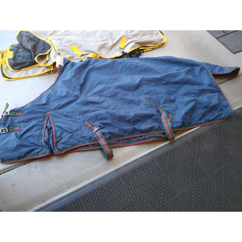 Heavier-weight turnout rug in good shape, size 80