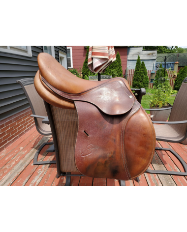 """17"""" Spooner by Antares jumping saddle"""