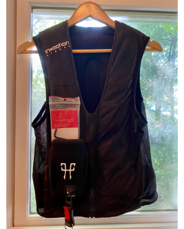 Horse Pilot In & Motion Air Vest- Adult Small- Brand New
