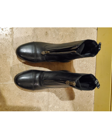 New Ariat paddock boots