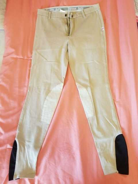 Knee patch riding breeches