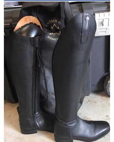 Black mountain horse Serenade Dressage boots