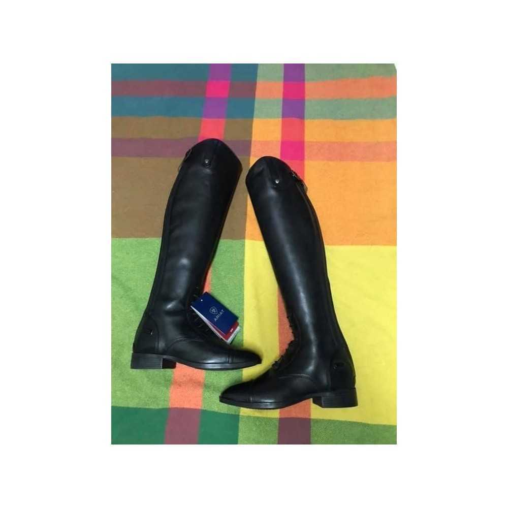 Size 7, regular calf, tall height Ariat challenge contour square toe tall boots.