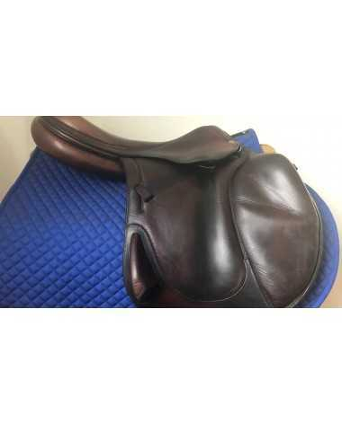 "18.5"" Antares saddle - 2005 - 4AB - 4.5"" dot to dot"