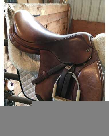 """M. Toulouse Anisse 18"""" jumping saddle"""