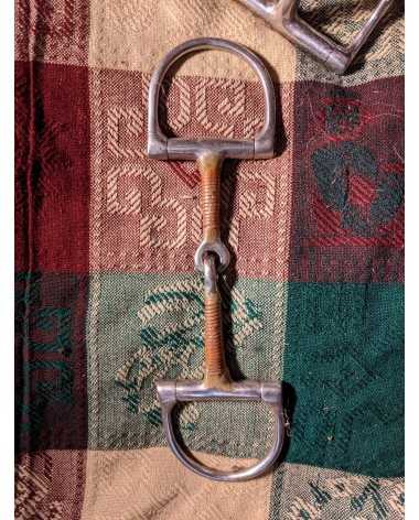 Copper mouthed D snaffle bit.