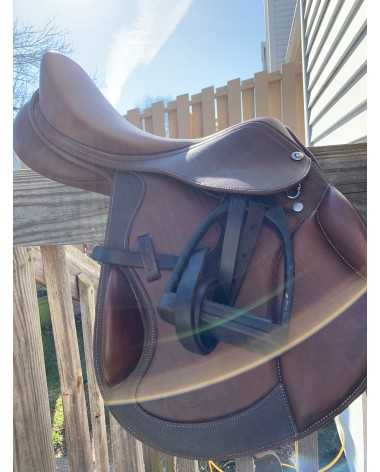 Collegiate Decree Monoflap Event saddle