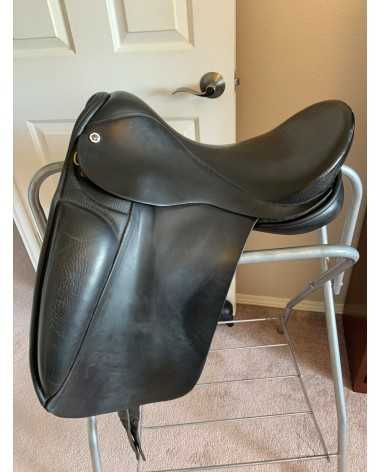 Supper comfy dressage saddle!