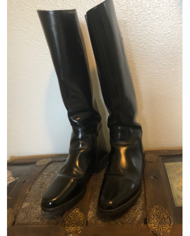 Size 8.5 Cavalier Tall Boots