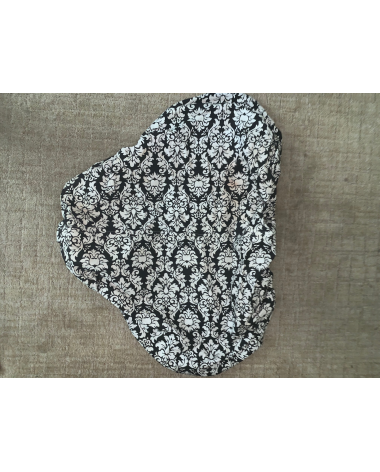 Black and White Patterned Saddle Cover