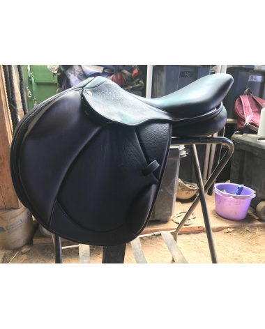 Circuit by Dover Monoflap Event saddle