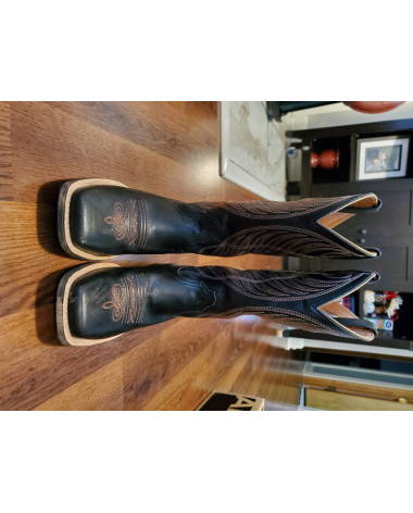 Like New size 5.5 Black Ariat Women's Western Boots