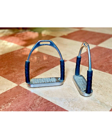 "4.75"" (HS?) Jointed Stirrups with Grater Footbed"