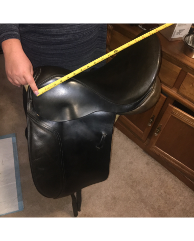 """Barnsby spring tree dressage saddle 17.5""""seat"""