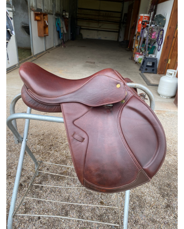 Almost new M. Toulouse saddle!