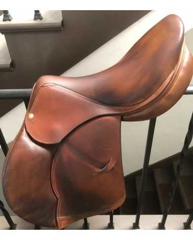 "Devoucoux saddle 17,5"" 2A flap Good condition!"