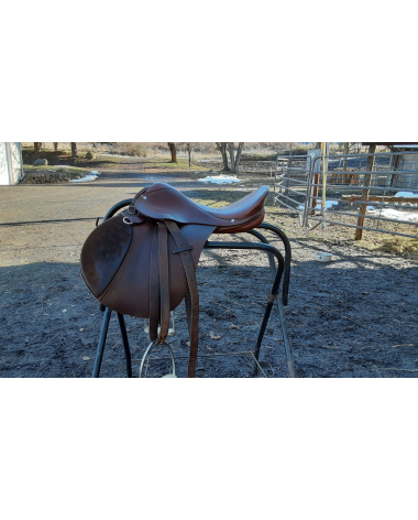 16.5 Rossi Y Caruso Jump Saddle