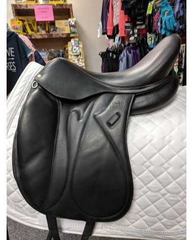Devoucoux Makila S Dressage Saddle Wide tree 17.5 deep seat
