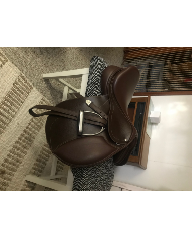 BRAND NEW BATES HUNTER JUMPER SADDLE- 17In w/ Cair