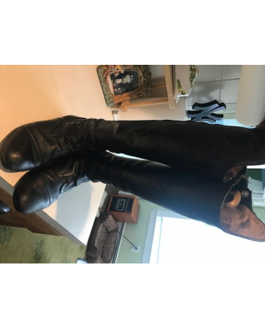 Used Mountain Horse tall boots size 9