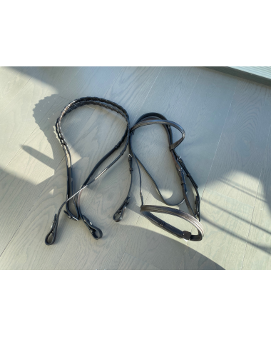 Full Dover plain hunter bridle and reins