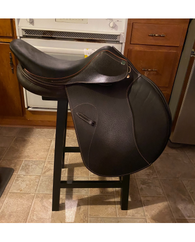 HDR 17in saddle